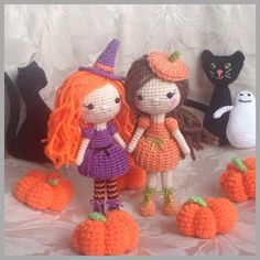 Halloween Crocheted dolls// you need to make these :P Crochet Fall, Holiday Crochet, Crochet Gifts, Crochet Toys, Amigurumi Patterns, Amigurumi Doll, Halloween Crafts, Halloween Ideas, Halloween Decorations