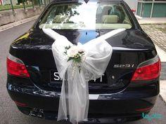ترفندهای تزیین ماشین عروس: 10 نکته طلایی برای حرفه ای ها - شادیما Renewal Wedding, Wedding Bride, Dream Wedding, Wedding Day, Gold Wedding, Wedding Car Ribbon, Deco Cars, Bridal Car, White Wedding Decorations