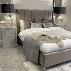 Grey Bedroom Decor, Master Bedroom Interior, Room Ideas Bedroom, Home Bedroom, Cozy White Bedroom, Adult Bedroom Ideas, Soft Grey Bedroom, Classy Bedroom Decor, Bedroom Ideas For Small Rooms Cozy