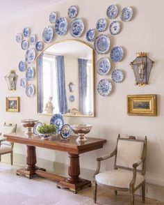 Le Mas des Poiriers hotel in Provence, France, French Country Style, Pierre Frey, Blue and White Plates French Country House, French Farmhouse, French Country Decorating, Country Chic, Country Houses, Plate Wall Decor, Plates On Wall, Design Entrée, Design Ideas