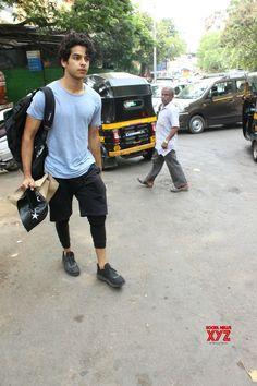 Mumbai: Ishaan Khatter seen at Mumbai& Bandra - Social News XYZ Photos: seen at Bandra Bollywood Actors, Couple Goals, Mumbai, Men's Fashion, Celebs, Fantasy, Stars, My Love, Couples