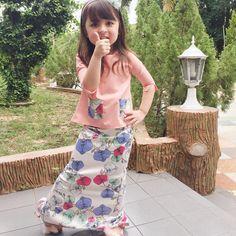 Polisufi cotton Baju Kurung is SO comfy & cool for kids on Raya! ONLY RM100 NOW at LOCKAkids, The Curve! #Lockakids#rayacollection2018… Baby Girl Dresses, Baby Dress, Batik Fashion, Hijab Fashion, Baby Clothes Sizes, Model Kebaya, Dress Anak, Girl Dress Patterns, Child Models