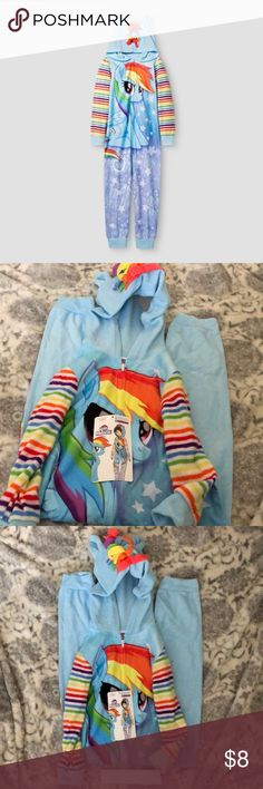Girls' My Little Pony Hooded Footed Sleeper Brand New • Girls' Rainbow Dash Hooded Sleeper w/ long sleeves. • VERY soft material.  Accidentally bought 2 during Xmas, this was the extra one. My Little Pony Pajamas