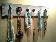 Pallet necklace/ accessory holdernecklace van ShabbyWorks op Etsy, $45.00