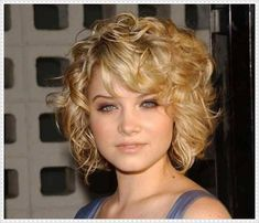 trendy curly hairstyles for short hair with bangs