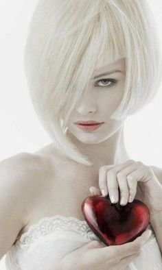 Beautiful colorful pictures and Gifs: Fotos Bonitas Pretty Hairstyles, Straight Hairstyles, Red Color, Color Pop, Estilo Cowgirl, Angels Beauty, Short Straight Hair, Glamour, Black White Red
