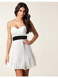 ELISE RYAN Pleated Sequin Bust Dress