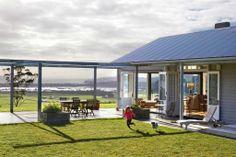 Beach house up in Matakana from NZ House & Garden… New Zealand Architecture, Architecture Design, Building Exterior, Building A House, Outdoor Areas, Outdoor Structures, Garden News, Australian Homes, Outdoor Entertaining