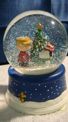 Charlie Brown Christmas Snow Globe