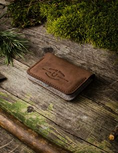 Leather Business & Credit Card Holder / Wallet   Wood Brown
