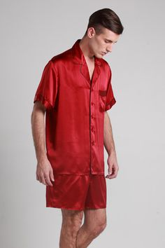 Our exclusive range features sumptuous quality pure silk with gorgeous styling. $109 #pajamas #silk #lilysilk