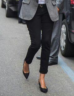tweed blazer. black cropped pants.