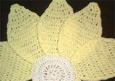 PATTERN LINK - Crochet Daisy Centerpiece and Placemat