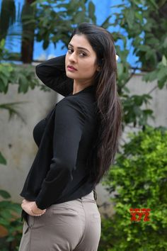 Payal Rajput hot stills in black dress at RX 100 Movie Promotions. Actress Payal Rajput latest hot pics from RX 100 movie promotion. Tollywood actress Payal Rajput hot stills. Bollywood Actress Hot, Beautiful Bollywood Actress, Beautiful Actresses, Beautiful Girl Indian, Most Beautiful Indian Actress, Beautiful Women, South Actress, South Indian Actress, Hot Actresses