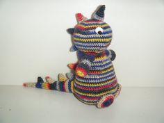 Kleurrijke dinosaurus van HandmadebyFieke op Etsy, €10.00