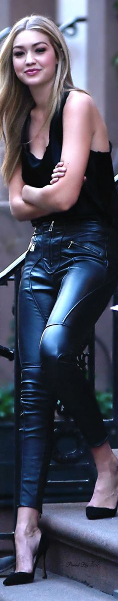 Gigi Hadid • Street 'CHIC • ❤️ Babz ✿ιиѕριяαтισи❀ #abbigliamento