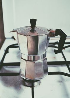 Moka pot / photo by kayrod