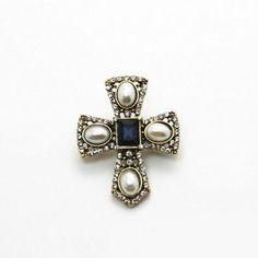 $10.99 Pearl Brooch Cross Sapphire Crystal #jewelrybrooches #vintagecostume #jewelryvintage #brooches #grandmascameos #jewelrysetsmore #jewelry #stylish #trends #mystyle #trendyfashion #thingsIneed #stufftowear #accessoriesfootjewelry #crystalsshine #store #cute #FreeShippingWorldwide #ShippingWorldwide #FreeShipping #onlinestore