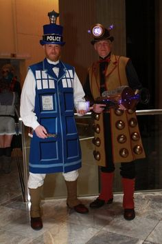 Tardis and Dalek (Doctor Who) @ Dragon Con 2012 - The Thrift Brothers!