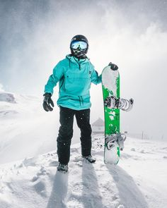 Discover recipes, home ideas, style inspiration and other ideas to try. Snowboarding Resorts, Snowboarding Style, Ski And Snowboard, Snowboarding Photography, Dope Jackets, Riders On The Storm, Surf, Ski Gear, Ski Fashion