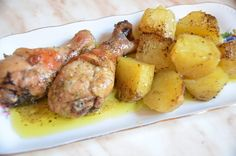 Slow cooker Greek style Chicken and Potatoes Greek Style Chicken, Chicken Drumsticks, Chicken Legs, Pressure Cooker Recipes, Greek Recipes, Crockpot Recipes, Food And Drink, Potatoes, Dishes