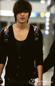 Airport Fashion: The Lee Min Ho Modelicious Edition.....can i have him please??