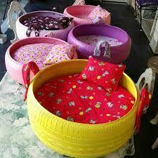 Resultado de imagen para cama de cachorro de pneu Source by yaracanocardona Did you find apk for android? Tire Craft, Diy Recycling, Tyres Recycle, Repurpose, Used Tires, Diy Dog Bed, Animal Projects, Pet Beds, Doggie Beds