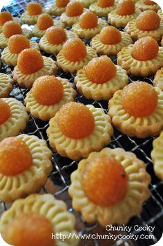 Recipes : Pineapple Tarts & Butter Cookies - Eat What Tonight Tart Recipes, Baking Recipes, Cookie Recipes, Best Chocolate Chip Cookie, Chocolate Mug Cakes, Vegan Mug Cakes, Pineapple Tart, Pineapple Recipes, Tart Dough