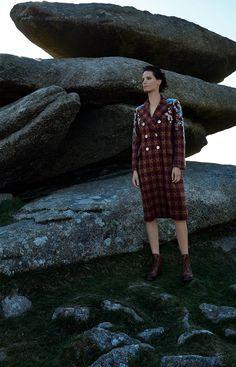 Harpers-Bazaar-UK-September-2017-Iris-Strubegger-by-Agata-Pospieszynska-10.jpg