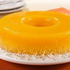 Brazilian Desserts: Easy Recipe for Quindim (Coconut Flan) Köstliche Desserts, Delicious Desserts, Dessert Recipes, Yummy Food, Cake Recipes, Portuguese Desserts, Portuguese Recipes, Portuguese Food, Brazillian Food