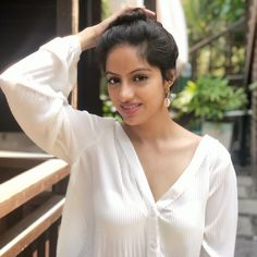 Image may contain: 1 person, closeup Most Beautiful Indian Actress, Beautiful Asian Girls, Tv Actress Images, Deepika Singh, Cute Girl Dresses, Stylish Girl Pic, Beauty Full Girl, Messy Hairstyles, Indian Beauty