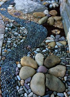 25 River Rock Garden Ideas for Beautiful DIY Designs – Mary C. Kramer 25 River Rock Garden Ideas for Beautiful DIY Designs Garden pebble mosaic by Graham Fry at Winding Path Pebble Mosaic, Mosaic Diy, Mosaic Garden, Rock Mosaic, Stone Mosaic, Mosaic Rocks, Landscaping With Rocks, Front Yard Landscaping, Landscaping Ideas