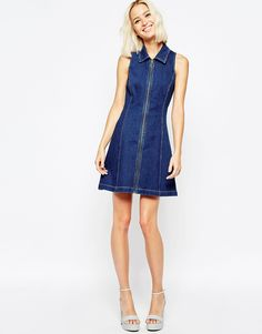 Asos denim zip dress. The model is 5'9 in a size 8 and I'm 5'5 and a size 14. It still looks good if a bit slutty ha ha!!