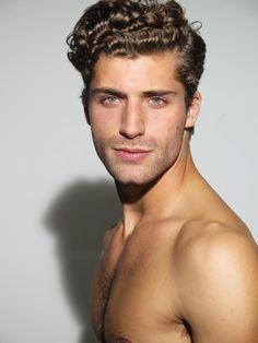 Resultado de imagen para curly hair men models.com