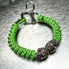 Corrupt Minds Skull Paracord Snake Knot Snap Shackle Bracelet - PGUK - 316 Stainless Steel - 77 Colours - Mens Bracelet - EDC - Wristwear by ParaGearUK on Etsy https://www.etsy.com/listing/492122444/corrupt-minds-skull-paracord-snake-knot