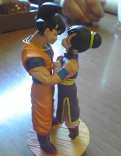 Goku and chi chi cake topper
