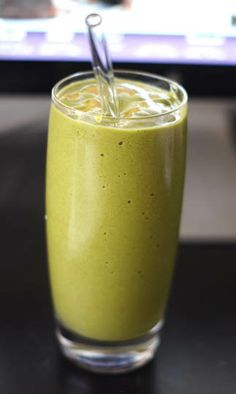 Classic Green Smoothie: *Detoxinista.com*  2 large handfuls of fresh spinach.  1 cup almond milk, or water.  ½ cup frozen berries.  1 banana (frozen or fresh).  juice of ½ lemon.  dash of cinnamon.  Instructions:  Toss all of the ingredients into a blender, and process until nice and smooth! Serve immediately.