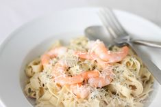 Easy white wine sauce for pasta - perfect for adding chicken or seafood food pasta recipes white wines White Wine Sauce for Pasta Sauce Recipes, Seafood Recipes, Pasta Recipes, Cooking Recipes, Seafood Pasta, Keto Recipes, Prawn Pasta, Seafood Dishes, Salmon Recipes