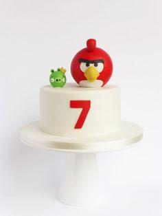 Peace of Cake, Angry Birds cake Cumpleaños Angry Birds, Festa Angry Birds, Angry Birds Birthday Cake, Bird Birthday Parties, Pretty Cakes, Cute Cakes, Fondant Cakes, Cupcake Cakes, Bolo Minion