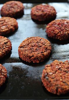 These are so very wonderful VEGAN Black Bean Beet Burgers! Tender and moist on the inside, slightly crisp on the outside with TONS of flavor and nutrition! Vegan Burgers, Beetroot Burgers, Quinoa Burgers, Turkey Burgers, Vegan Vegetarian, Vegetarian Recipes, Healthy Recipes, Vegetarian Barbecue, Vegetarian