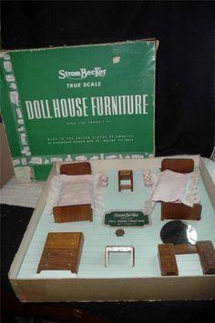 VINTAGE STROMBECKER wooden doll house furniture BEDROOM IN ORIG BOX BED ROOM