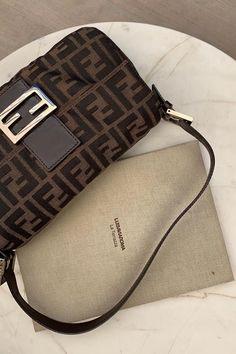 Aesthetic Bags, Brown Aesthetic, Luxury Purses, Luxury Bags, Luxury Handbags, Fendi, Pochette Louis Vuitton, Vetement Fashion, Cute Purses