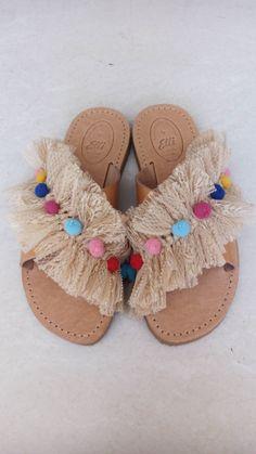 By elli lyraraki Shoe Makeover, Decorating Flip Flops, Shoe Refashion, Creation Deco, Crochet Shoes, Macrame Projects, Fashion Sewing, Custom Shoes, Diy Clothes