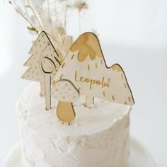 Cake Topper Waldgeburtstag Holz Party Box, Din Lang, Sag Ja, Cake Toppers, Place Cards, Happy Birthday, Place Card Holders, Names, Bunting Bag