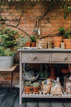 Decking for your outside living space design inspiration for small gardens Back Garden Design, English Garden Design, Diy Bbq Area, Bohemian Patio, Garden Shelves, Outdoor Shelves, Small Courtyards, Wooden Decks, Outside Living