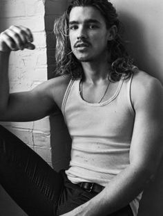 Some quick notes on Australian heartthrob Brenton Thwaites:He plays guitar, drives a '77 VW Kombi van, while he just spent months filming the upcomingPirates of the Caribbeaninstallment,he's long been a fan of the Depp/Richards-style hat.