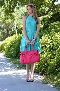 Green summer dress and Kate Spade bag, the perfect combination for a fun outfit during the hot days.