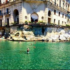 Palazzo Donn'Anna, Naples