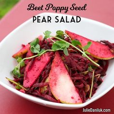 Beet Salad in anti-inflammatory! Beets are one of the best plant sources of betaine mg per 100 g serving), which lowers C-reactive protein levels, a marker of heart disease and chronic inflammation. Main Dish Salads, Main Dishes, Salad Recipes, Vegan Recipes, Paleo Side Dishes, Healthy Gourmet, Pear Salad, Anti Inflammatory Recipes, Health Eating