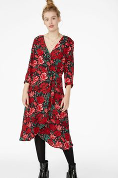 6d0265ac2790 Buttoned wrap dress - Black magic - Dresses - Monki GB